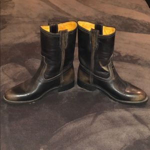 Frye Shoes - FRYE!!! Anna Short Round Toe Leather Boots